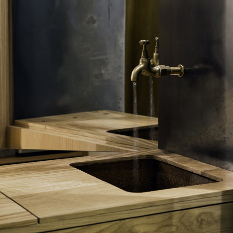 Aesop-Hollywood-Road_dezeen_1sq