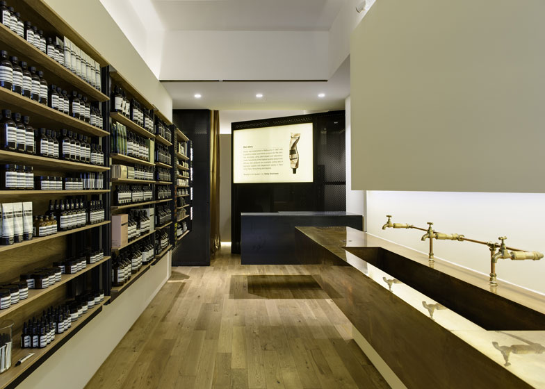 Aesop-Hollywood-Road_dezeen_2ss