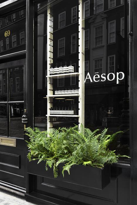 Aesop-Marylebone_dezeen_6