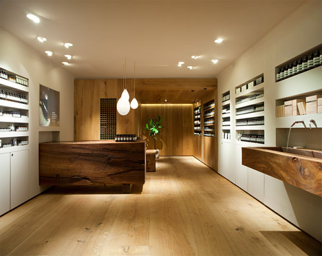 Aesop_Bibliotekstan_by_In_Praise_of_Shadows_dezeen_468_0