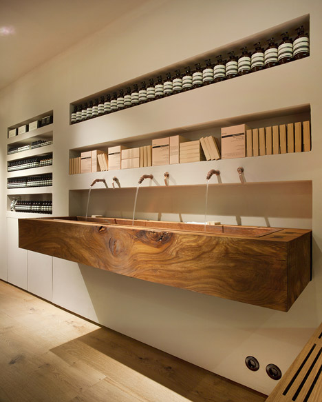 Aesop_Bibliotekstan_by_In_Praise_of_Shadows_dezeen_468_6