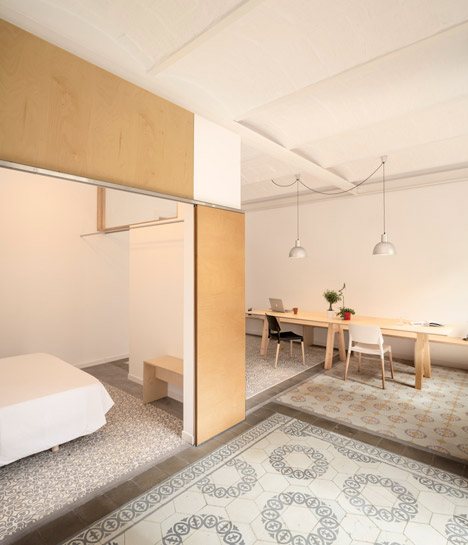 Eixample-apartment-renovation-in-Barcelona-by-Adrian-Elizalde_dezeen_468_2