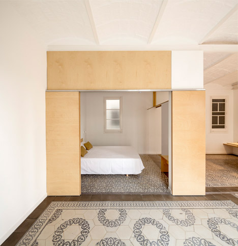 Eixample-apartment-renovation-in-Barcelona-by-Adrian-Elizalde_dezeen_468_8
