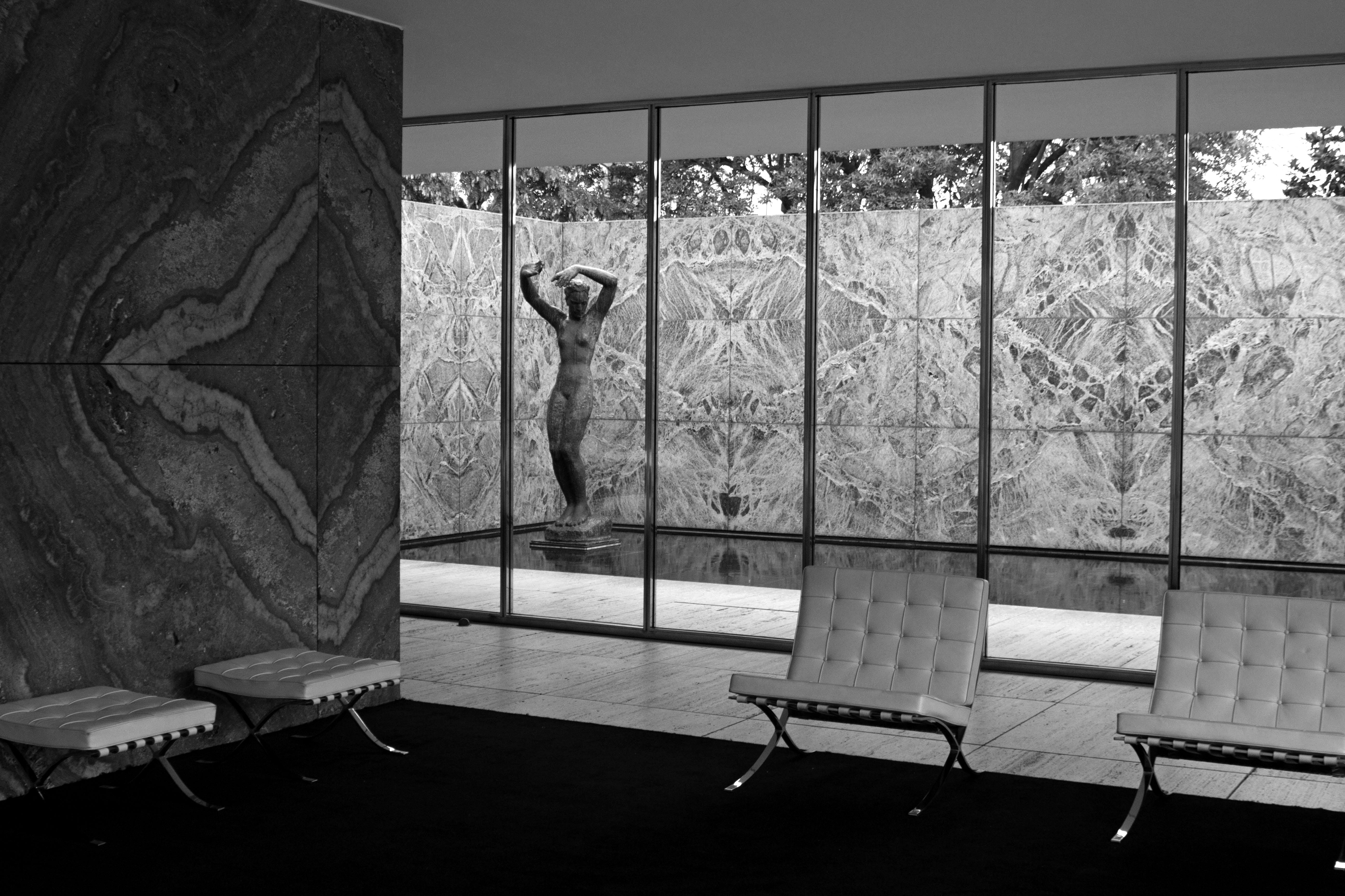 María Jesús Mora_ Arquitecto_ Fotógrafo_Alicante_ Pabellón de Mies en Barcelona 32